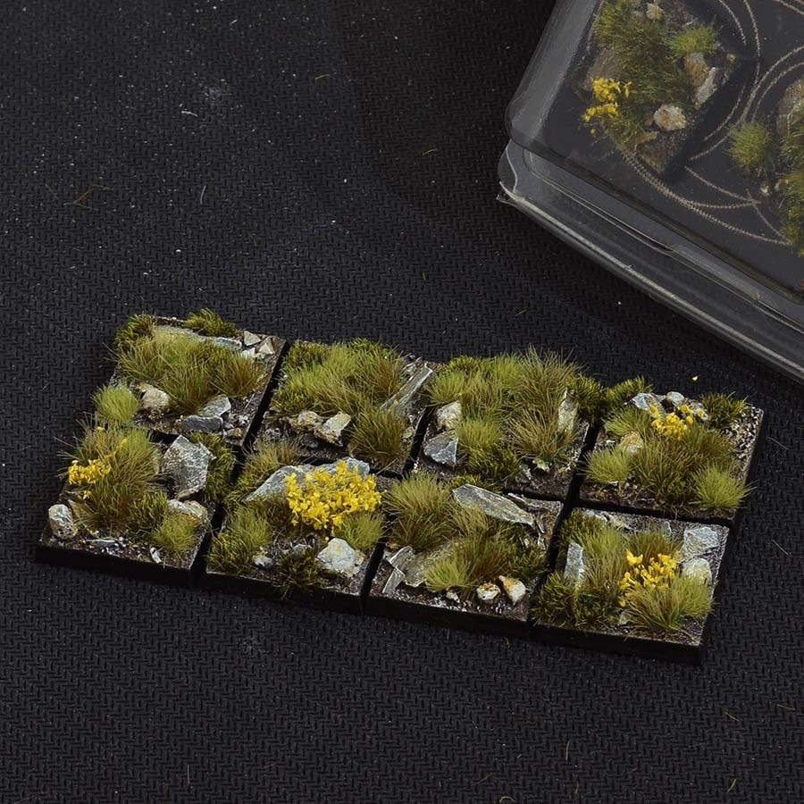 GamersGrass Highland Bases Square 25mm x8