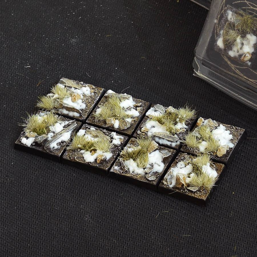 GamersGrass Winter Bases Square 25mm x8